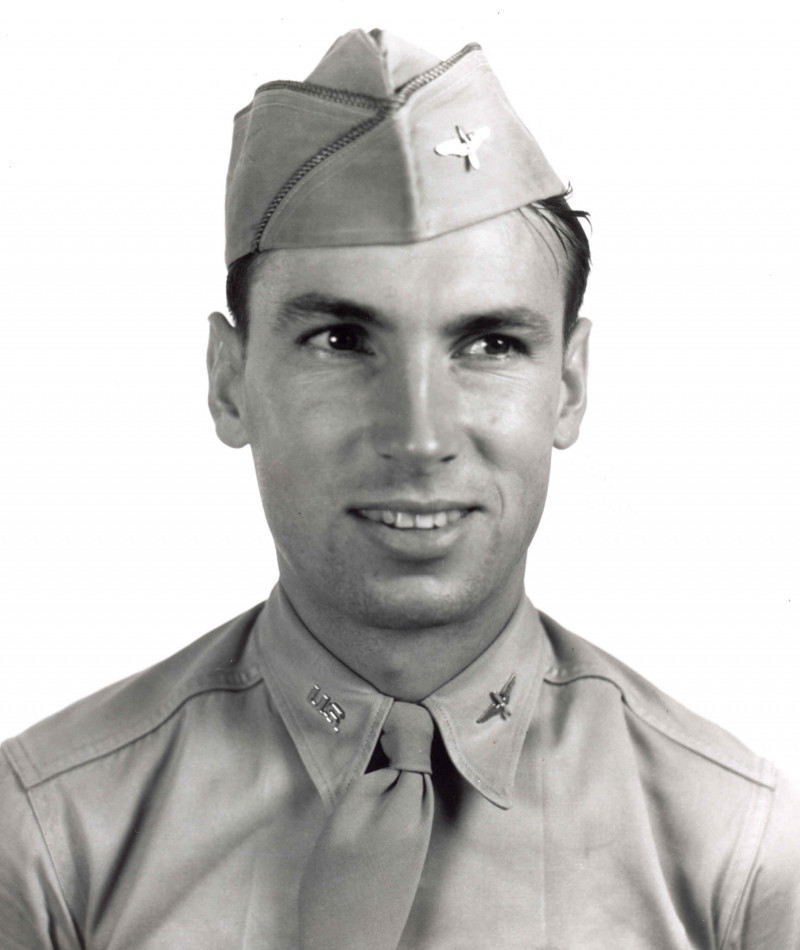Medal of Honor Recipient Raymond L. Knight